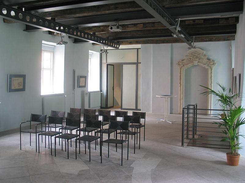 """Veranstaltungsraum im """"Steinsaal"""" des Schlosses"""