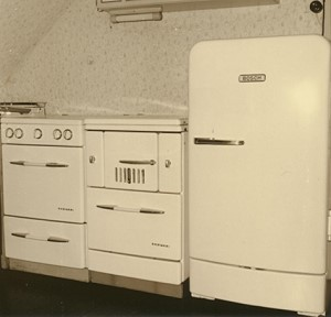 64 bosch k hlschrank von 1954 schlossmuseum jever. Black Bedroom Furniture Sets. Home Design Ideas