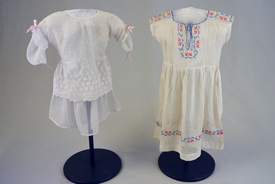 Kinderkleider, ca. 1900