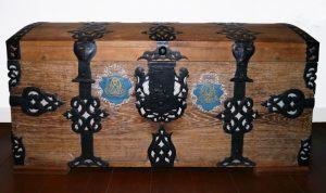 Koffertruhe, 19. Jahrhundert, Holz und Metall, Foto: Patrick Schröder