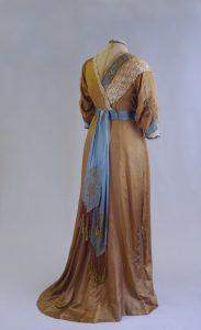 Brautkleid im Jugendstil. Anfang 20. Jh.
