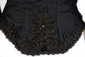 Zuavenjacke (Damenjacke). nach 1860. Seide, Baumwolle, Glasperlen. Perlenstickerei-Rücken