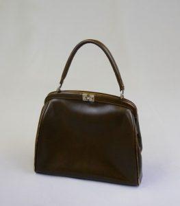 Damentasche. 1950er Jahre. Leder, Metall.