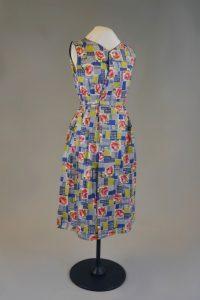 Kittelschürze. 1950er Jahre. Baumwolle, bedruckt.