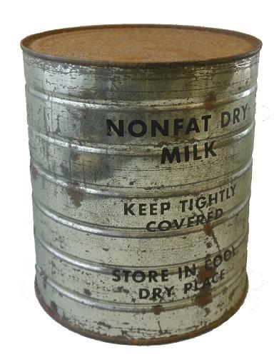 Dose mit Trockenmilch aus einem Paket der amerikanischen Organisation CARE, um 1946