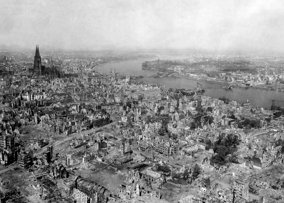 Nachkriegszeit: Das zerstörte Köln 1945. Foto: Pixabay